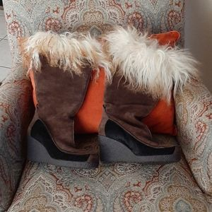 Ladies-Calvin Klein-Suede and Fur Boots